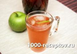 Холодный чай с мятой и яблоком